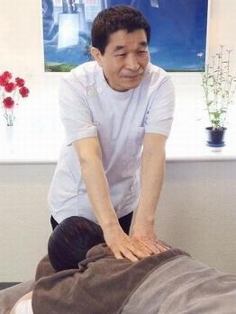 首・肩こり・腰痛・全身整体・足つぼ 【もんでまっせ】 横浜西口の店内写真2